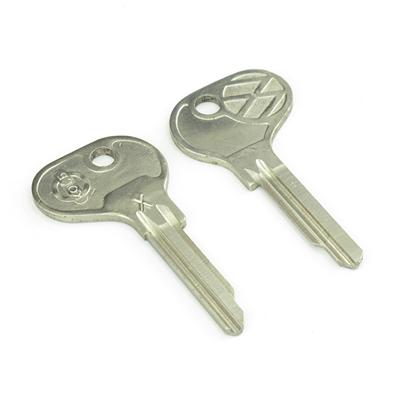 Original classic car key kpa066